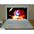 "White Macbook UB 13"" 2.4Ghz"